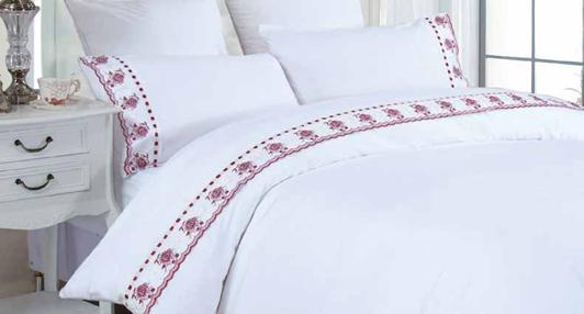 תמונה של סט מצעים אמלי אל קמט תחרה זוגית 4 חלקים | לבן אדום