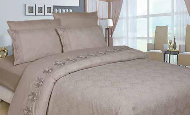תמונה של סט ענבר זוגי בשילוב ז'קרד מעוטר תחרה- 100% סאטן אל קמט מיטה זוגית 6 חלקים |שמפניה